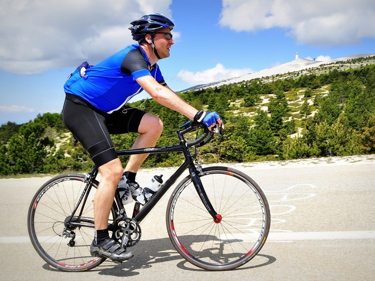 Cycling Apparel Manufacturers